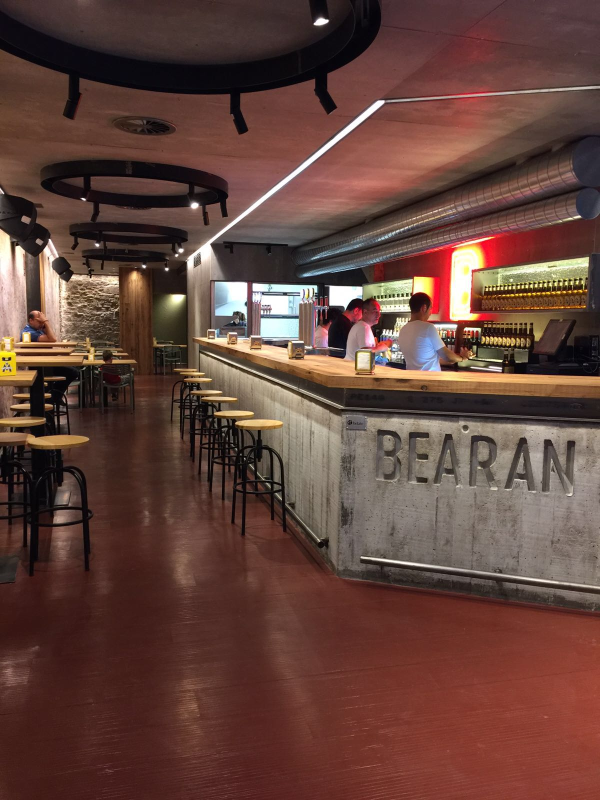 Reforma bar pamplona iru bearan belate
