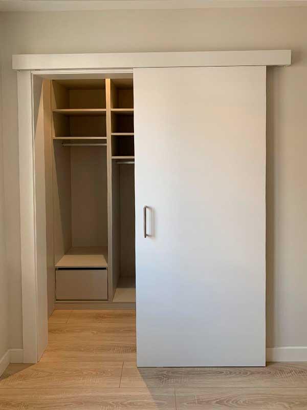 6-reforma-vivienda-pamplona-ensanche-navarra-armario-empotrado-detalle-reforma-dormitorio