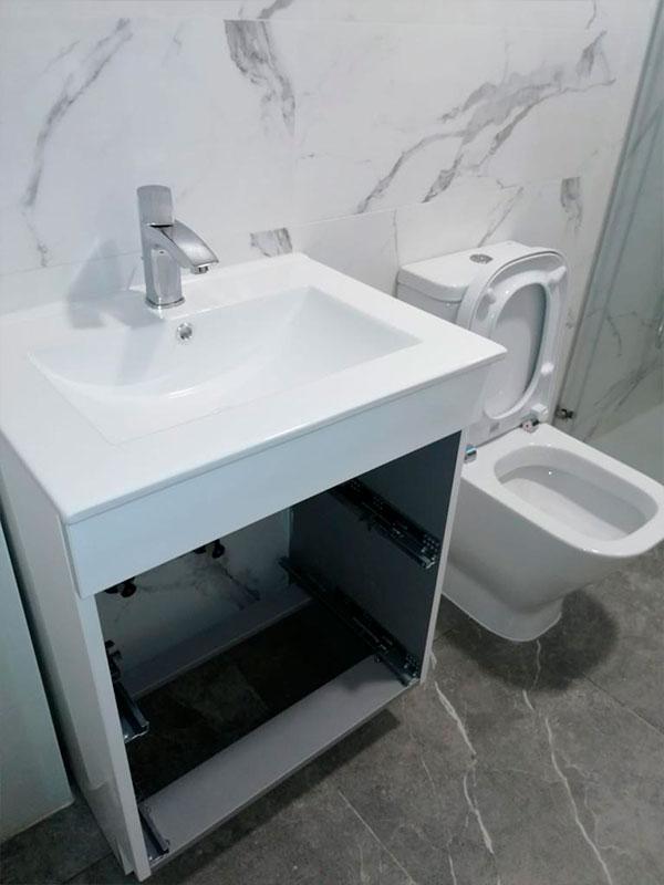 cambio-mobiliario-baño-taza-cerámica-pamplona-navarra