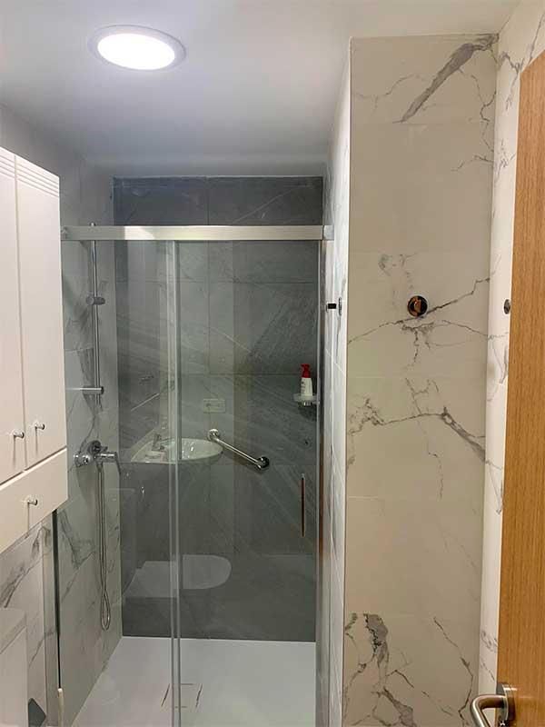 reforma-mampara-ducha-baño-pamplona-casco-viejo