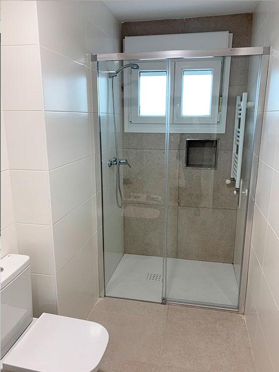baño-mampara-ducha-reforma-integral-vivienda-en-villava-navarra